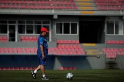 """""""Bolillo"""" Gómez pondera el trabajo de su equipo en su regreso a Panamá"""
