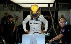 Hamilton supera a Senna y reta a Vettel en Baku