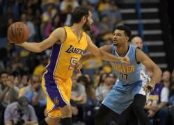 Lakers examinan opciones de compra de Calderón