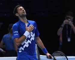 Djokovic inclina a Zverev y se mete en semifinales