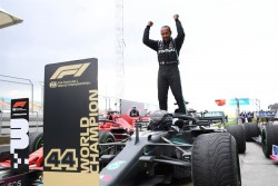 Hamilton gana carrera y Mundial en Turquía