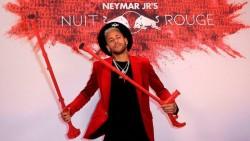 Aprendió de tutoriales de Youtube y ahora hace sombreros para Neymar y Alaba