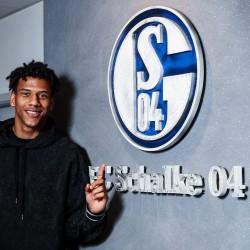 El central francés Todibo, cedido al Schalke 04 hasta junio