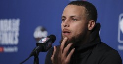 Curry defiende a James del menosprecio de Trump