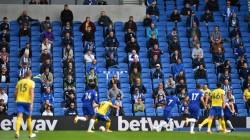 Decepción en la Premier League al posponerse el regreso de la afición a estadios