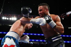 Ward no dio opción a Kovalev y reivindica condición de campeón invicto