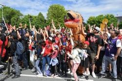 Toronto se echa a la calle para recibir a los Raptors