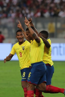 Jueces confirmados para el duelo entre Panamá y Ecuador