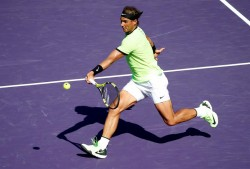 Un sólido Nadal deja sin opciones a Mahut y pasa a cuartos en Miami