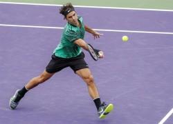 Federer supera su debut a un combativo Tiafoe
