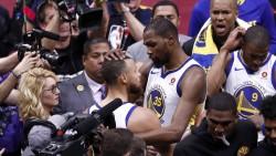Durant fue mejor que James y Warriors están a un triunfo del título