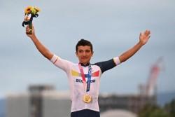 Richard Carapaz logra la medalla de oro en ciclismo de ruta