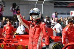Vettel cree que el reglamento no permite competir entre sí a los pilotos