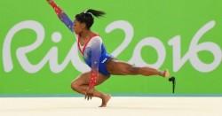 Simone Biles cambia de entrenador y volverá al gimnasio en noviembre
