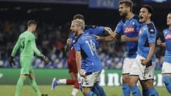 El Nápoles tumba al campeón; Ter Stegen salva al Barça (Resumen)