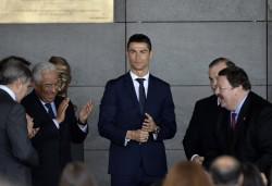 """Ronaldo, """"feliz y honrado"""" por homenaje de Madeira pese a las críticas"""