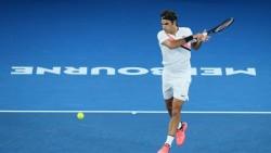 Federer y Tsitsipas se lucen; Djokovic cumple en una jornada de lluvia (Resumen)