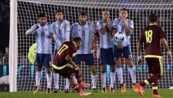 """Kempes dice que Argentina debe """"sacarse la mufa"""" para no quedarse sin Mundial"""