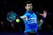Djokovic convence con su frescura, Federer naufraga ante Thiem