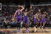 Lakers y Bucks se mantienen líderes con siete triunfos seguidos