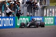 Hamilton nuevo líder tras ganar en Hungría