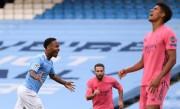 (2-1) Errores de Varane complican al Madrid y el City avanza