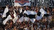 Ante la ausencia de BSC, hinchas de Colo Colo protestan en las calles de Santiago