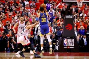(105-106) Los Warriors ganan a los Raptors y mantienen viva la final