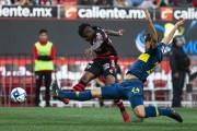 Miller Bolaños, figura en victoria de Xolos sobre Boca Juniors