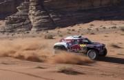 Sainz se pone líder del Dakar al ganar tercera etapa, donde Alonso fue quinto