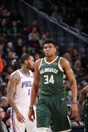 Bucks y Sixers, duelo de playoffs; James pierde en el Madison Square Garden (Resumen)