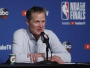 Kerr confirma que seguirá con Warriors; destaca felicitación de Tiger por título
