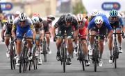 Demare gana al esprint por delante de Sagan y Almeida sigue de rosa