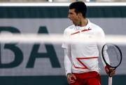 Djokovic sufre, pero avanza en Roland Garros (Resumen)