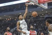 Bucks y Nuggets encabezan triunfos de los favoritos; Lakers vuelven a ganar (Resumen)
