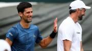 El entrenador de Djokovic da negativo tras infección y cuarentena por COVID