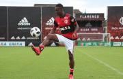 El Flamengo oficializa la contratación del colombiano Marlos Moreno