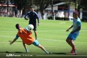 """La 'U' volvió a """"los entrenamientos grupales y práctica de fútbol"""""""