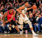 Raptors sorprenden a los Bucks; Warriors y Kings, logran marca de triples (Resumen)