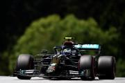 Bottas sorprende a Hamilton y Mercedes sigue dictando