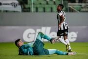 Cazares y el 'Galo' ganaron un duelo clave para acceder a Sudamericana