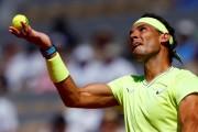 Nadal y Federer no tiemblan en un Roland Garros del que se despide Tsitsipas (Resumen)