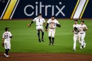Astros y Dodgers cobran vida al conseguir sus primeras victorias (Resumen)