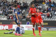 Estrada volvió a anotar en empate de Toluca