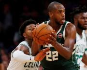 Sixers mantienen el invicto; Bucks ganan revancha a Raptors