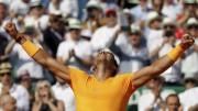 Nadal suda en su debut y Djokovic se despide a las primeras de cambio (Resumen)