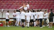 Mario Gómez se retira tras ayudar al Stuttgart al ascenso