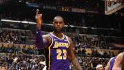 James supera a Jordan, pero no salva a Lakers; Heat entran en playoffs (Resumen)