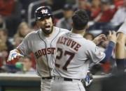 (4-1) Altuve da un respiro a los Astros que logran su primera victoria