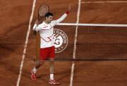 Djokovic y Tsitsipas avanzan en Roland Garros, donde naufraga Berrettini (Resumen)